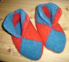 Marits hobbyblogg: Tovede tøfler / Felted slippers Felted Slippers, Mittens, Knit Crochet, Knitting Patterns, Socks, Projects, Knits, Crochet Ideas, Fashion