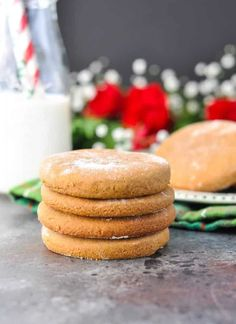 These simple and delicious Old-Fashioned Williamsburg Gingerbread Cookies are th… - Gesund Essen - Rezepte Unique Desserts, Holiday Baking, Christmas Desserts, Christmas Treats, Christmas Baking, Holiday Treats, Holiday Recipes, Christmas Recipes, Christmas Cookies