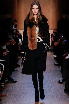 Sfilata Givenchy Parigi - Collezioni Autunno Inverno 2016-17 - Vogue