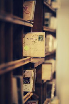 Handwritten letters, a lost art. Envelopes, Pocket Letter, Objets Antiques, Sending Postcards, Old Letters, Little Presents, You've Got Mail, Going Postal, Handwritten Letters