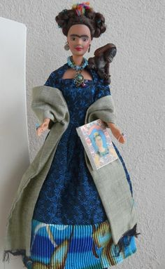 frida barbie - I love this! It would be so awesome to trick out old Barbies as cool women in history for my little nieces!