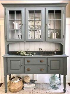 How to Paint a Farmhouse Hutch Makeover DIY - This hutch couldn't have been more perfect! Some time ago I bought this farmhouse transfer, which - Vintage China Cabinets, Vintage Hutch, China Cabinet Painted, China Cabinets And Hutches, Blue China Cabinet, Painted Hutch, Hutch Makeover, Furniture Makeover, Hutch Redo