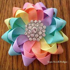 Hairbow Pastel Rainbow Flower Bow By Tif - Diy Crafts Ribbon Art, Diy Ribbon, Ribbon Crafts, Grosgrain Ribbon, Ribbon Flower, Ribbon Hair Bows, Diy Hair Bows, Barrettes, Hairbows