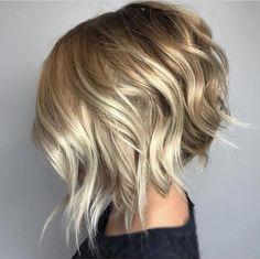 Choppy Angled Blonde Bob with long angled layers Choppy Bob Hairstyles, Short Bob Haircuts, Blonde Hairstyles, Layered Haircuts, Wedding Hairstyles, Hairstyles 2018, Celebrity Hairstyles, Braided Hairstyles, Latest Hairstyles