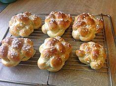 Yeast braid like the jesusfreak Italian Pastries, Italian Desserts, Italian Recipes, Italy Food, Italian Cookies, The Breakfast Club, Fish And Seafood, Bread Recipes, Food And Drink