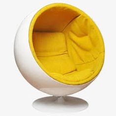 Ball chair by Eero Aarnio. Would be cute for a play room. Funky Furniture, Vintage Furniture, Furniture Design, Pink Desk Chair, Sofa Chair, Wing Chair, Bubble Chair, Ball Chair, Contemporary Chairs