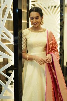 Off white Long dress with dupatta Gown Party Wear, Party Wear Indian Dresses, Indian Gowns Dresses, Indian Fashion Dresses, Indian Designer Outfits, Designer Dresses, Lehenga Saree Design, Lehenga Designs, Lehenga Blouse