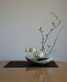 Resultado de imagem para lotus ikebana