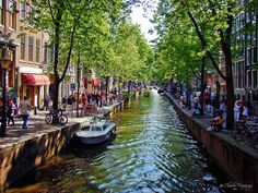 Amsterdam, Holland 076 - Spring at the canal by Claudio.Ar, via Flickr