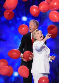 Bill can't believe his luck. He gets to play with these balloons? | 17 Pictures Of Bill Clinton Realizing That Balloons Exist