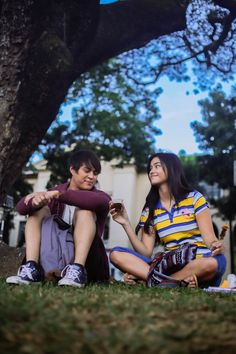 Cosmopolitan Philippines Spotlight: Liza Soberano And Enrique Gil Enrique Gil, Liza Soberano, Cute Couples Goals, Couple Goals, New Movies, Movies Online, Becoming A Doctor, Jadine, People Talk