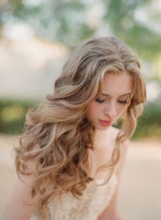 love her flowing long hair curls + blow out