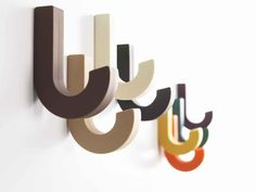 Wall Hooks For Coats As Completing Nice Room: Colorful Wall Hooks For Coats Design Inspiration Home Design Entrée, Flur Design, House Design, Creative Design, Coat Pegs, Clothes Hooks, Japanese Design, Cool Walls, Wall Hooks