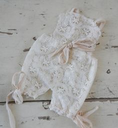 Adorable romper made from ivory cotton laceties with silk chiffonNB size  Enxoval De Menina, Roupas dfdfd8983f