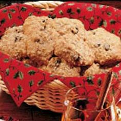 Low-fat Oatmeal Cookies Recipe -These oatmeal cookies are chewy with old-fashioned goodness and are low in fat.—Kathleen Nolan, Lawrenceville, Georgia