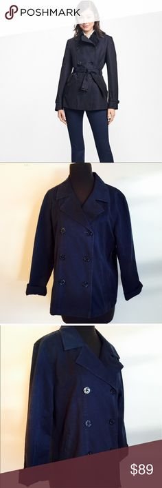 ❗️L.L. Bean Navy Lightweight Jacket MSRP $165! ❗️L.L. Bean Navy Lightweight Double Breast Jacket. Retails $165. Size medium. Excellent condition. Doesnt have a tie, cover photo to show similar model. Feel free to make an offer! I'm giving to the first reasonable offer I receive & give great bundle deals! Moving Clearout Sale--all must go! ;-) L.L. Bean Jackets & Coats