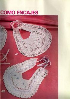 patrones de baberos                                                       … Crochet Baby Bibs, Newborn Crochet, Love Crochet, Crochet For Kids, Vintage Crochet, Knit Crochet, Crochet Hats, Baby Bibs Patterns, Crochet Patterns