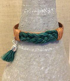 """Bracelets breloques, Bracelet femme crin de cheval """"teintés"""" est une création orginale de MelB-and-the-bird sur DaWanda"""