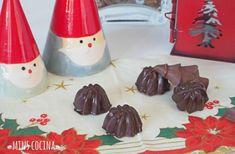 Receta de Bombones caseros de chocolate y almendras - ¡Deliciosos y súper fáciles! #RecetasGratis #Navidad #RecetasparaNavidad #RecetasNavideñas #CenadeNavidad #CenadeNocheVieja #CenadeNocheBuena #Postres #Bombones #Bombondechocolate #navidad
