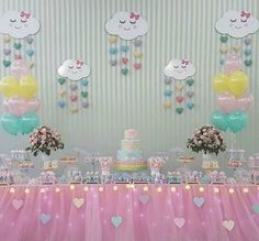 chuva de benção decoração Rainbow Theme, Rainbow Birthday, Unicorn Birthday, Baby Birthday, Birthday Party Decorations, Birthday Parties, Rain Baby Showers, Cloud Party, Do It Yourself Baby