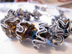 Bracciale con cialde Nespresso e perline colorate