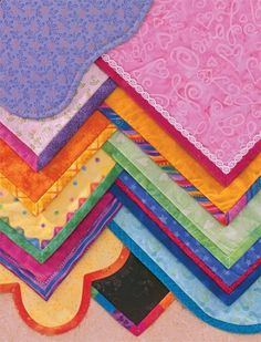 Bewildered when it comes to quilt binding? Come see a clever way to remember all those peculiar foldswith paper binding!and learn more about the comprehensive quilt-binding book Happy Endings.