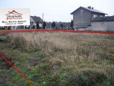 Do sprzedania działka budowlana o powierzchni 44 arów w bardzo dobrej lokalizacji.