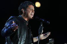 El cantante español Alejandro Sanz durante el concierto 'Voces de Solidaridad' en Bogotá, Colombia. (Mayo 7, 2011)