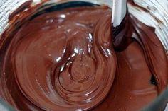 3 recepty na nelámavé čokoládové polevy