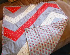 The Craftinomicon: Mod Chevron Baby Quilt