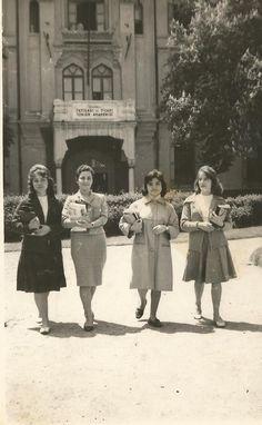 İstanbul İktisadi ve ticari ilimler akademisi talebeleri 1960'lar.