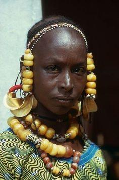 Cultures Du Monde, World Cultures, African Tribes, African Women, African Culture, African History, Population Du Monde, Skin Girl, Afrique Art
