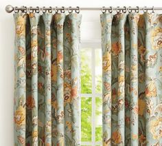 Love these drapes.  Trying to find something attractive for my sewing room windows (aka, my sunroom)