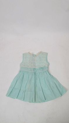 100% Auth Vintage HONEYSUCKLE White Flower Lace Over Green Girls Dress 2 #fashion #clothing #shoes #accessories #vintage #childrensvintageclothing (ebay link) Girls Dresses, Summer Dresses, Vintage Outfits, Vintage Clothing, White Flowers, Casual Outfits, Lace, Green, Clothes
