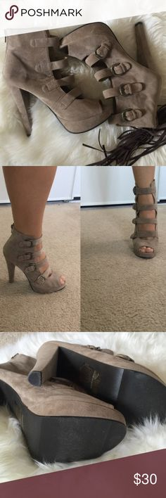 Open toe platform boot New That chic style light brown suede like platform, with 4 buckle detail and zipper in the back, worn one time..  New no box  ✅Bundle and save  ✅ ✅ all reasonable offers will be considered No Trading  Poshmark rules only‼️ Measurements taken laying flat Ⓜ️ 5 1/2 inch heel Ⓜ️️️ 1inch platform Forever 21 Shoes Ankle Boots & Booties