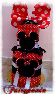 minnie mouse cake with beautiful bed thinks