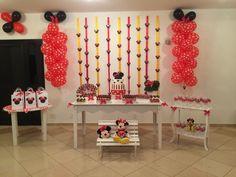 Festa Minnie vermelha! Idealizada por mim é feita com ajuda das amigas!! Eu amei o resultado! Tudo simples e fácil de fazer!