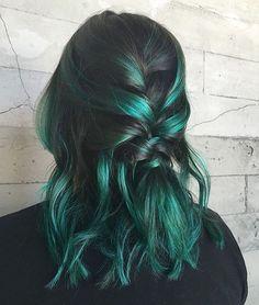 Green hair dye, green hair colors, hair dye colors, dye m Green Hair Dye, Green Hair Colors, Hair Dye Colors, Ombre Hair Color, Dye My Hair, Cool Hair Color, New Hair, Black And Green Hair, Emerald Green Hair