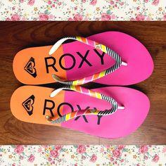 ad7e2e41442f1d Colorful roxy flip flops 9-10