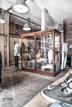 Mobiliario vintage para tiendas de ropa.