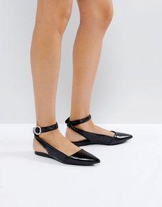 New Look - Flache Lackschuhe mit Knöchelriemen und glänzender Schnalle -  Schwarz Jetzt bestellen unter:
