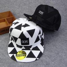 [Visit to Buy] 2016 New Arrival Fashion Gorras Planas printed triangle Baseball Caps Snapback Hip Hop Hat brand Bone Aba Reta Along 2 Colors #Advertisement