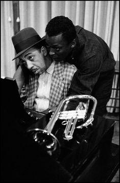 Jazz Channel — bainer: Red Garland and Miles Davis during a. Jazz Artists, Jazz Musicians, Rock Artists, Music Artists, Music Icon, My Music, Santa Monica, Miles Davis Quintet, Illinois