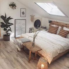 Are you looking for some small farmhouse master bedroom ideas to inspire you? Are you looking for some small farmhouse master bedroom ideas to inspire you? There are many ways to incorporate farmhouse design in your house. Modern Farmhouse Bedroom, Modern Bedroom Design, Contemporary Bedroom, Bedroom Rustic, Farmhouse Design, Farmhouse Ideas, Bedroom Designs, Farmhouse Decor, Vintage Farmhouse