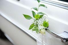 A little touch of sweetness on the door handle. Wedding List, Wedding Wishes, Wedding Shoot, Dream Wedding, Wedding Car Ribbon, Car Wedding, Wedding Bouquets, Wedding Flowers, Bali Decor