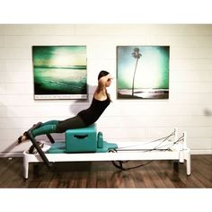 On the fourth day of Christmas Pilates gave to me: Beginner, Intermediate & Advanced Short Box Swan variations. -------------------------------Here's the scoop for those just joining in ❄️ I will post one video a day until Christmas Eve featuring some of my favorite Pilates Reformer exercises. My challenge to you: follow along with me and post a daily video of you doing the exercises seen in my videos (please feel free to modify for your body)❤️ It's ok if you fall behind a few days, just…