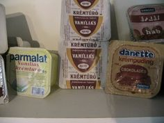 Krémtúrók (80's) Vintage Recipes, Grocery Store, Budapest, Retro Vintage, Childhood, Retro Games, Minden, Memories, School