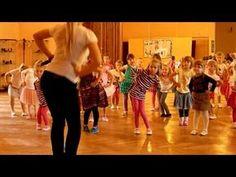 andělský tanec - YouTube Zumba Kids, Preschool Music, Aerobics, Musical, Kindergarten, Sporty, Activities, Film, Children