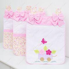 Porta Fraldas <br> <br>Porta Fraldas Varão Quarto Enxoval para Bebê Meninas Branco/Rosa/Floral 100% Algodão 120 fios <br>38cm x 34cm 03 Peças