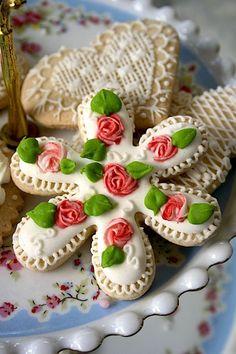 Las delicias del buen vivir: Haciendo mini rosetas en royal icing